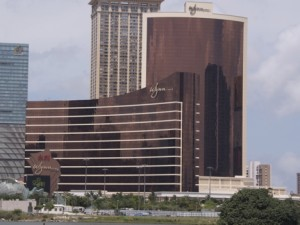 左:Wynn Tower、右:Encore Tower