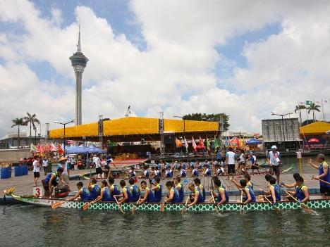 端午節に開催される「マカオインターナショナルドラゴンボートレース」(写真:MSDB)