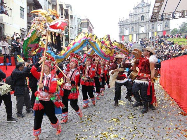 ラテンパレード、今年も開催決定
