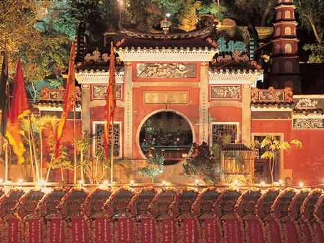 媽閣廟で行われる天后節の奉納行事(写真:MGTO)