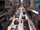 マカオでは車輌数の増大に伴う交通渋滞、大気汚染が社会問題になっており、政府は車両数の抑制策を打ち出している(資料)―本紙撮影