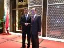 (左)マカオ政府保安司司長張國華氏、(右)在香港日本国総領事隈丸優次氏―本紙撮影