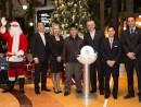 有名歌手の陳奐仁氏(中央左)、シェラトンマカオのドルプ社長(中央右) (c) Sheraton Macao Hotel, Cotai Central