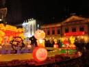 多くの人出で賑わった春節期間中のセナド広場周辺―本紙撮影