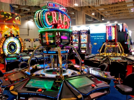 カジノ外スロット専門施設全面閉鎖へ―政府見解