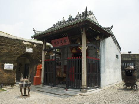 世界遺産ナーチャ廟で火災、本殿は無事