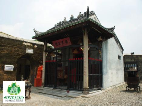 ナーチャ廟(資料)=2013年4月—本紙撮影