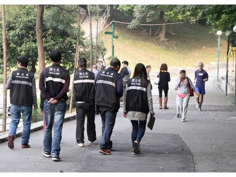 違法喫煙者が取締官に暴行ーマカオ・筷子基
