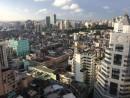 住居や商業ビルが密集するマカオ市街中心部―本紙撮影