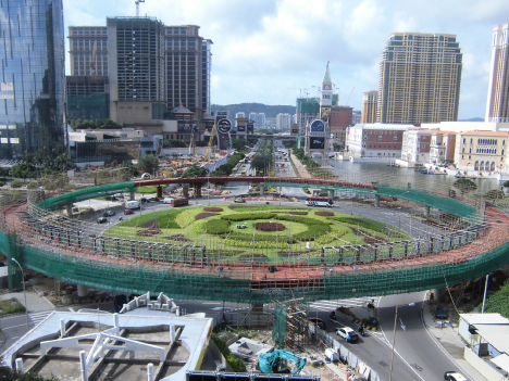 マカオ・コタイ地区の大型円形陸橋、結合作業完了