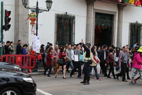 交通規制実施中、民政総署前の横断歩道は南側から北側への一方通行となる(写真:治安警察局)