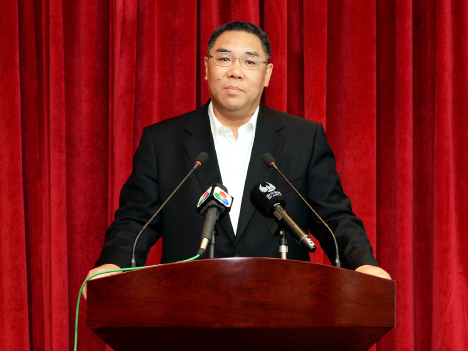連任の崔世安マカオ行政長官、任命式出席のため訪京