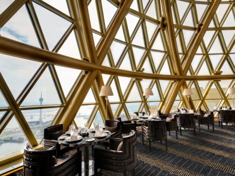 「ミシュランガイド香港マカオ」創刊以来8年連続で三ツ星をキープする唯一のマカオのレストラン、ロブション・オ・ドーム(写真:Grand Lisboa)