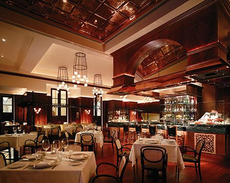 フレンチレストラン「オー・ボザール」内観(写真:MGM Macau)