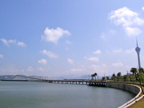 カルヴァーリョ総督大橋開通40周年記念展はじまる=マカオ半島とタイパ島を結ぶ最初の橋