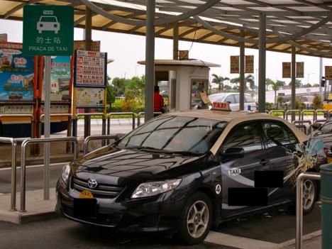 おとり捜査導入にマカオ市民大賛成 違法タクシー撲滅に厳格な取り締まり求める声