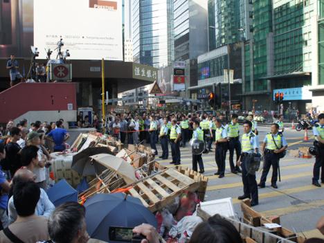 香港デモ 九龍・旺角で強制執行=在香港日本国総領事館が緊急メールで在留邦人に注意呼びかけ