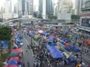 香港特別行政区本部庁舎に近い香港島・アドミラリティの道路封鎖現場(資料)=2014年10月18日—本紙撮影