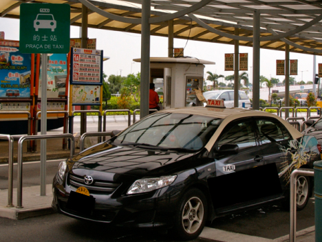 マカオの悪質タクシー運転手による乗客の荷物狙った窃盗事件相次ぐ