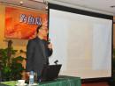 「釣魚島と日中関係」セミナー講師を務める黄天氏=12月13日、マカオ(写真:DSEJ)