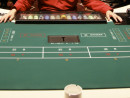 マカオでは灰皿の置かれたゲーミングテーブルも間もなく見納め?(資料写真)—本紙撮影