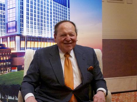 米カジノ大手LVサンズ会長、マカオ政府に物申す=カジノ売上低迷長期化に苛立ち