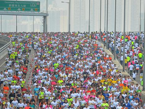 香港マラソン参加の24歳市民ランナー死亡=7万3千人参加のうち1千人以上がケガや体調不良訴える