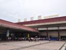 マカオとの陸路の玄関口のとなる広東省珠海市の拱北出入境ゲート(資料)—本紙撮影
