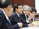 マカオ立法会施政弁論大会で演説する譚俊栄マカオ社会文化庁長官(中央)=4月13日(写真:GCS)