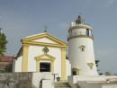 マカオ半島で最も標高の高いギアの丘の上に建つ世界遺産「ギア灯台」(資料)=2012年—本紙撮影