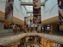 マカオのIR(統合型リゾート)併設のショッピングモール(資料写真)—本紙撮影