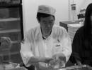マカオのイベントで寿司を握った西村弘美さん=2013年7月—本紙撮影