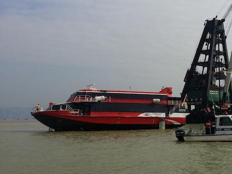 香港とマカオ結ぶ高速船で火災事故=負傷者なし、エンジン故障が原因か