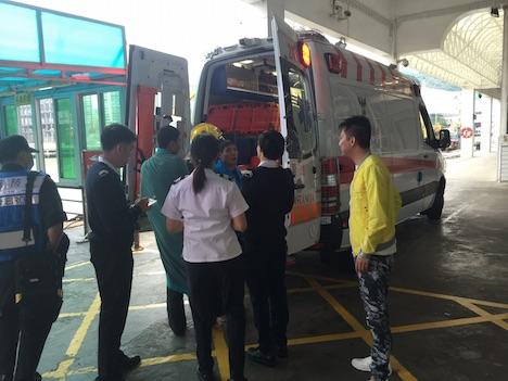 香港とマカオを結ぶ高速船、沈没漁船の乗員3人と犬1匹を救助