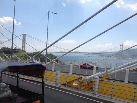 香港で空港アクセス大混乱、唯一の陸路ルート2時間通行止め=海上橋に船衝突で要検査