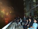 香港・ビクトリアハーバーで開催された国慶節花火大会を鑑賞する香港特別行政区の梁振英行政長官夫妻=10月1日(写真:news.gov.hk)