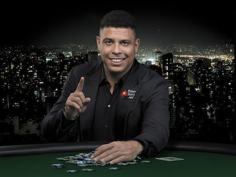 元ブラジル代表ロナウド氏がマカオ初訪問=アジア最大のポーカー選手権に出場