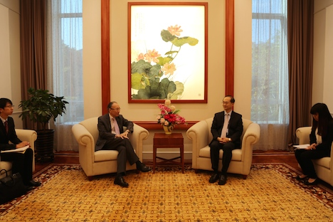 松田駐香港日本国総領事が中国外交部駐マカオ特派員公署を訪問=日中関係改善ムードの中で相互に期待感