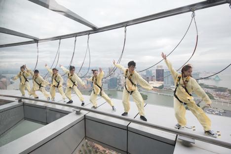 マカオタワーで慈善コスプレバンジージャンプ大会開催=高さ233m、ギネス認定世界一