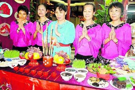2014年に新橋花園で行われた七姐誕儀式の様子(写真:澳門街坊會聯合總會)