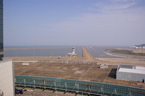 マカオ国際空港(資料)=マカオ・タイパ島―本紙撮影