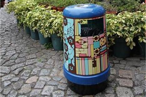 マカオの観光名所周辺のゴミ箱が華やかなデザインに=地元芸術学校とコラボ