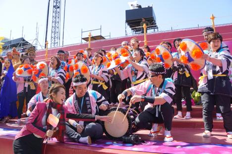 山形・尾花沢花笠踊りチームがマカオ到着…春節パレードに日本代表で出場=成功祈願祭で存在感示す