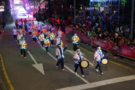 山形・尾花沢花笠踊りがマカオ春節パレードに日本代表で出場=インバウンド誘致の機会に