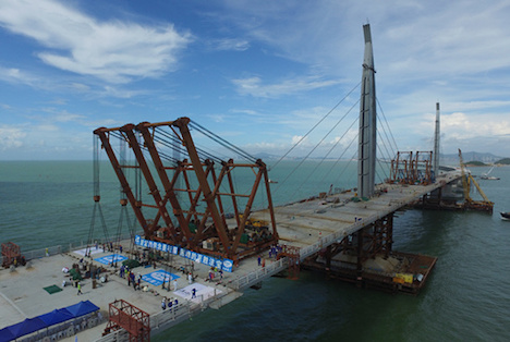 香港とマカオを結ぶ夢の架橋計画、主体橋梁部の連結完了