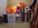 各種和装のチョイスが揃うkyotographyの店内=6月25日-本紙撮影