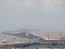 建設中の港珠澳大橋。手前がマカオ側出入境施設(資料)=2016年7月-本紙撮影