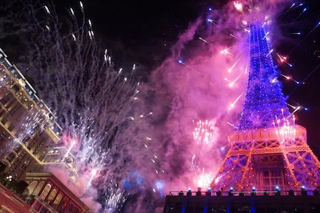 大型カジノIR「パリジャンマカオ」開幕…総工費2740億円=目玉は1/2サイズのエッフェル塔