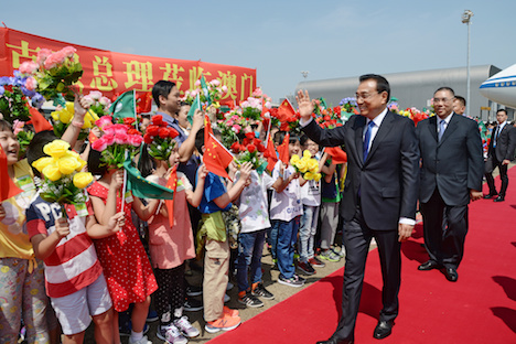 中国・李克強首相がマカオ初訪問