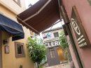 有名ポルトガル料理店「アントニオ」(左の建物)の裏手にオープンしたギャラリー「アートスペース」(写真:Taipa Village Destination Limited)